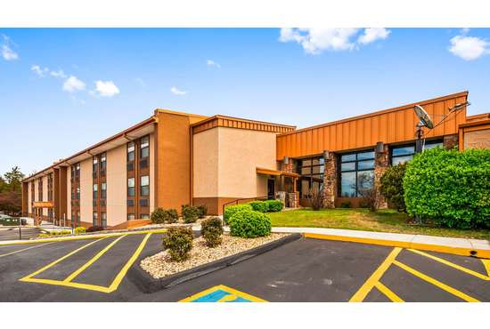 BEST WESTERN CENTER POINTE INN - 1 NIGHT STAY