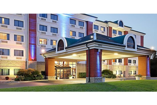HOLIDAY INN EXPRESS AT GREEN MOUNTAIN DRIVE - 1 NIGHT STAY