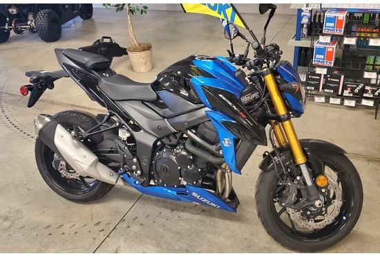 SUZUKI GSX-S750 SPORTS BIKE